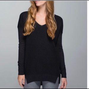 Lululemon The Sweater Life - EUC size 6